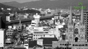 福山城から望む山陽新幹線