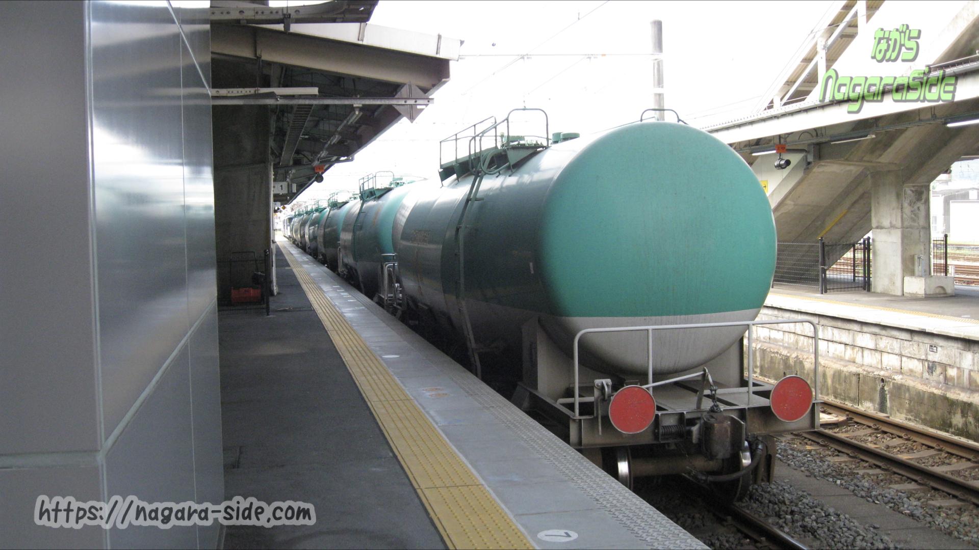 中津川駅に入線したタキ