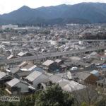 福知山城から望む山陰本線と福知山線