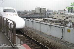 岡山駅に入線する700系新幹線
