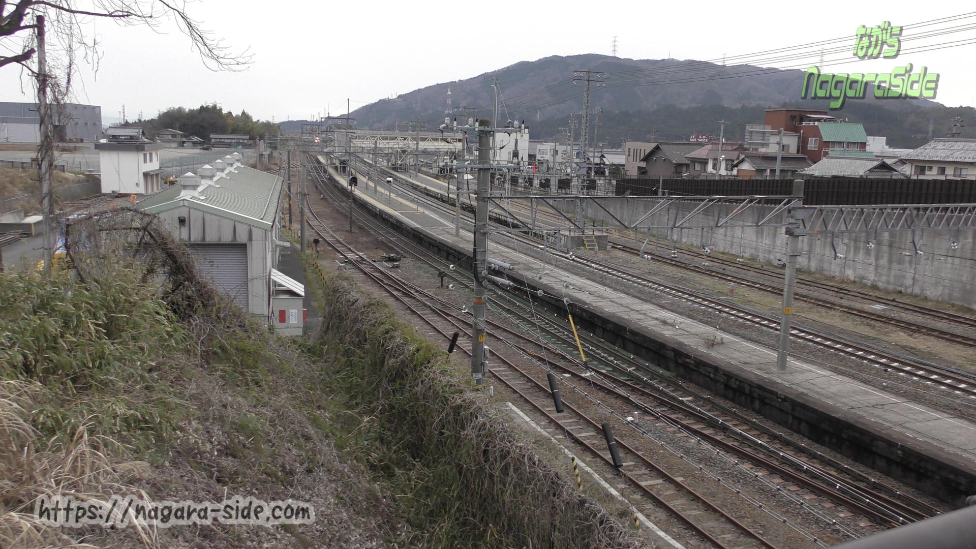 跨線橋から望む関ヶ原駅