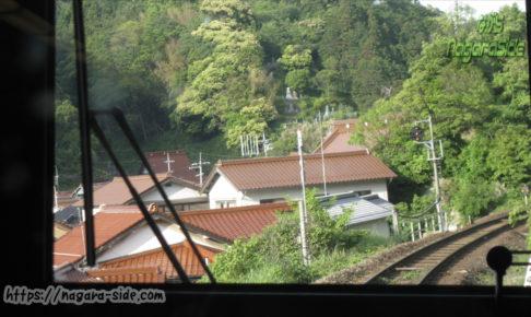 温泉津駅周辺の石州瓦が映える家々