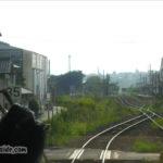 東津山駅に入線するキハ120形
