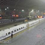 早朝の青島駅 ホームには誰もいない
