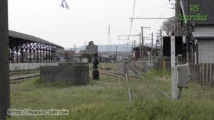 美濃赤坂駅に到着する普通列車