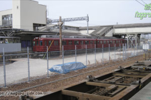 桑名駅に停車する養老鉄道の列車
