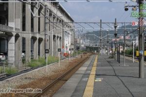 相生駅在来線ホームと3番線