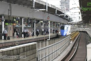 東京駅23番線に入線するE7系