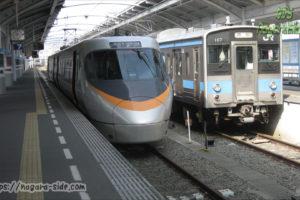 高松駅に停車する「いしづち」 8000系