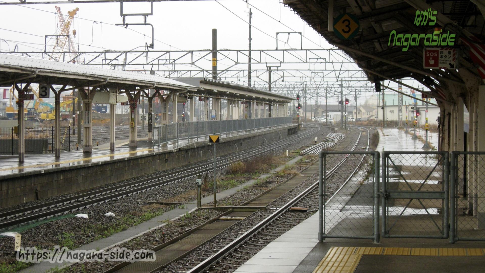 敦賀駅の4番のりば