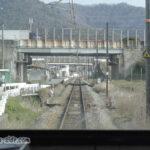 中国自動車道をくぐる播但線下り列車