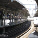 名古屋駅に入線する新大阪行き「ひかり」