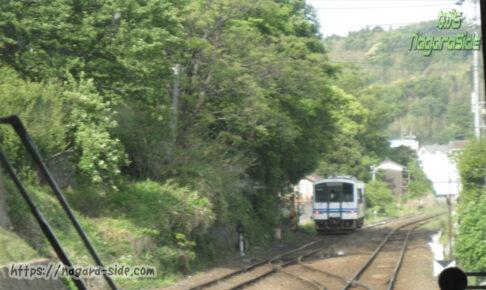 浜田駅の引き上げ線に停車するキハ120形