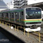 小田原駅に到着するE231系