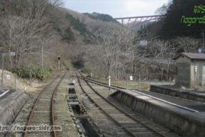 出雲坂根駅からおろちループ方面を望む