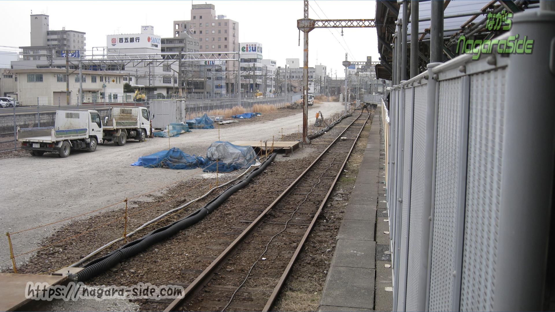 桑名駅の養老鉄道養老線の線路(駅舎改修で撤去)