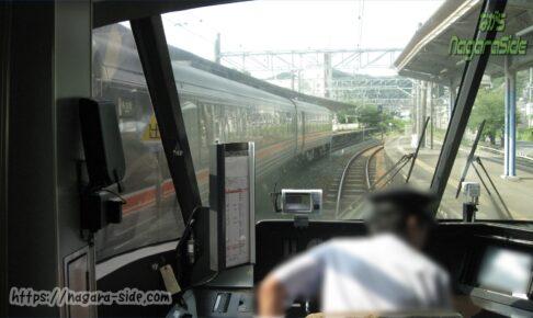 紀伊勝浦駅で交換するくろしおと南紀