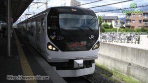 塩尻駅に入線するE257系時代の「あずさ」