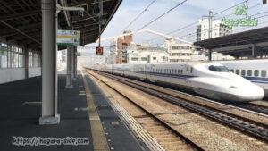 西明石駅を通過するN700系のぞみ